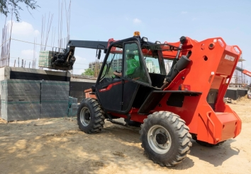 Manitou launches new telehandlers and compact loaders