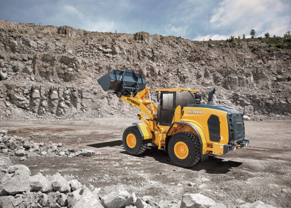 Hyundai CE Europe unveils a trio of Stage V compliant HL900 wheel loaders