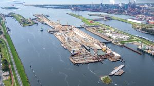 Second caisson enables new sea lock in IJmuiden